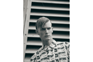 2.-COMME-DES-GARÇONS HOMME PLUS-SHIRT-MENSWEAR-EDITORIAL-MALCOLM-DE-RUITER-SONIA-CHEDLI-FASHION-STYLIST-EDITORIAL-BLACK AND WHITE
