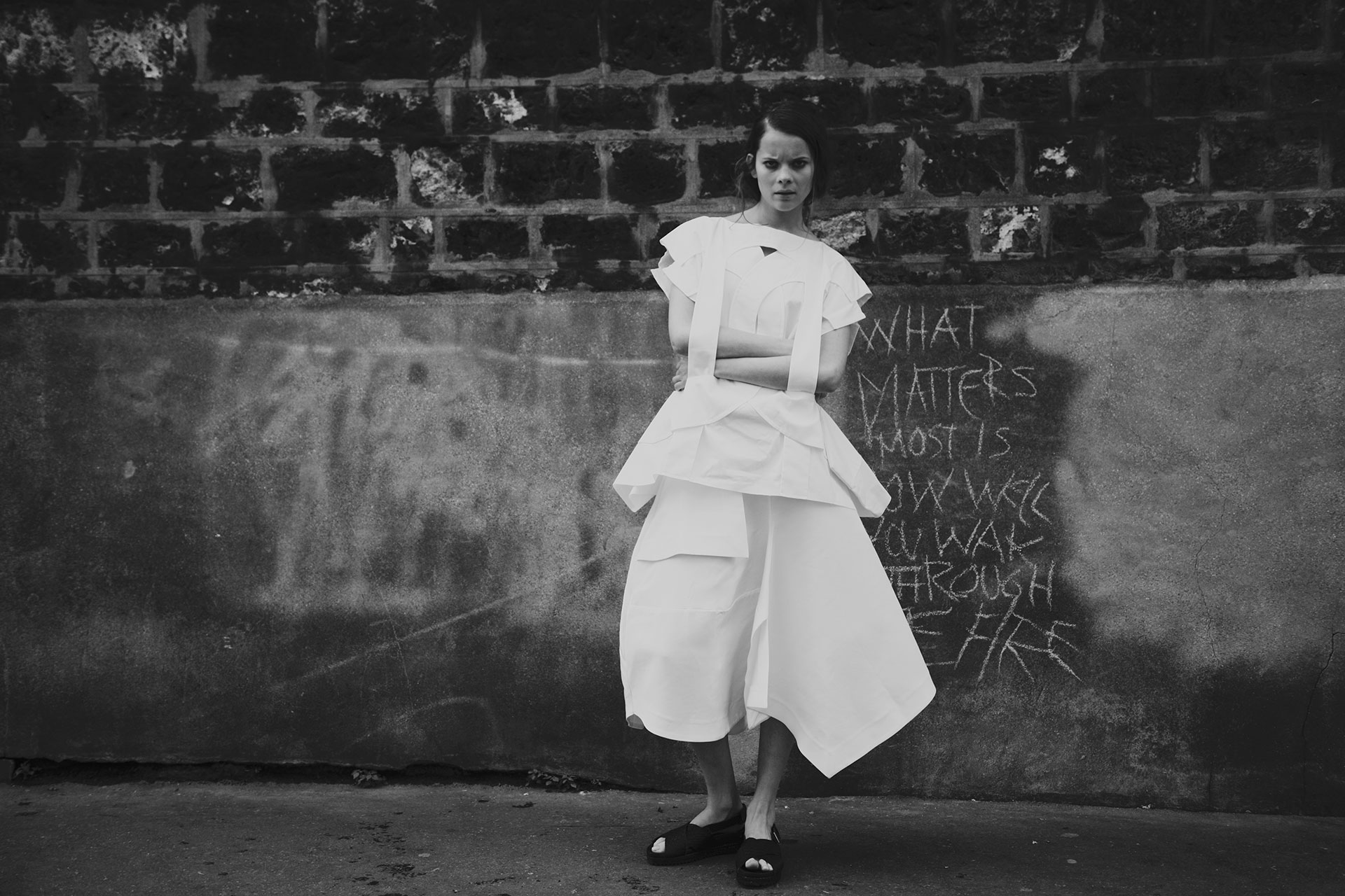 COMME DES GARÇONS - J.W. ANDERSON - SURFACE TO AIR - SONIA CHEDLI - STYLIST - FASHION - BLACK AND WHITE