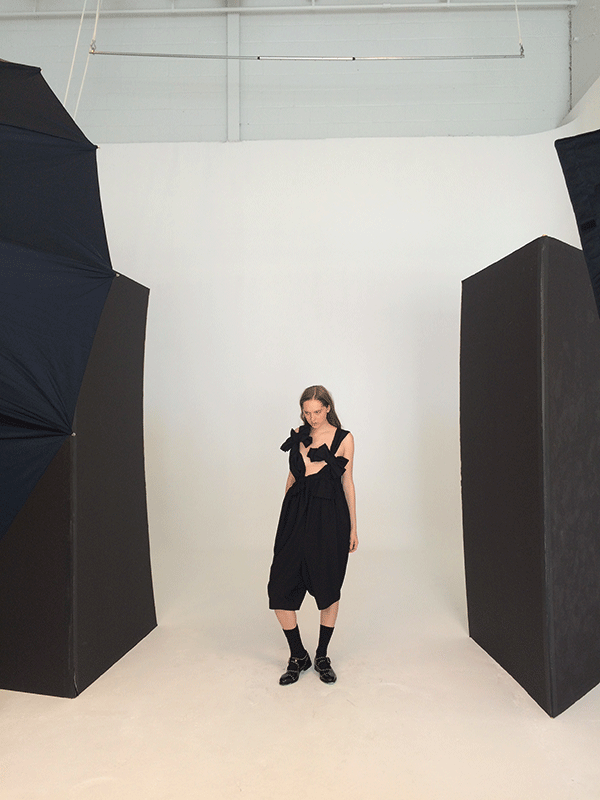 155-STUDIO-FASHION-SHOOT-BEHIND-THE-SCENES-COMME-DES-GARCONS-JUNYA-WATANABE-SONIA-CHEDLI-FASHION-STYLIST