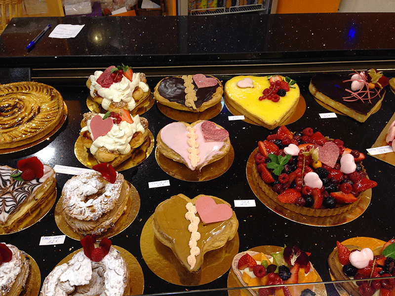 51-PARIS-VALENTINE'S-DAY-CAKES