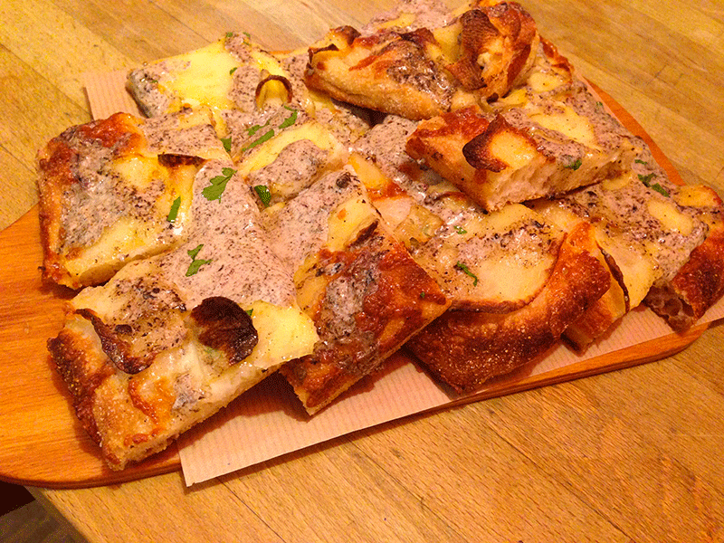 70-POTATO-AND-TRUFFLE-PIZZA-PARIS